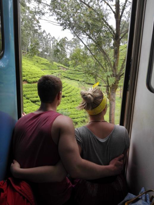 Junamatka mahtavissa maisemissa Sri Lankassa